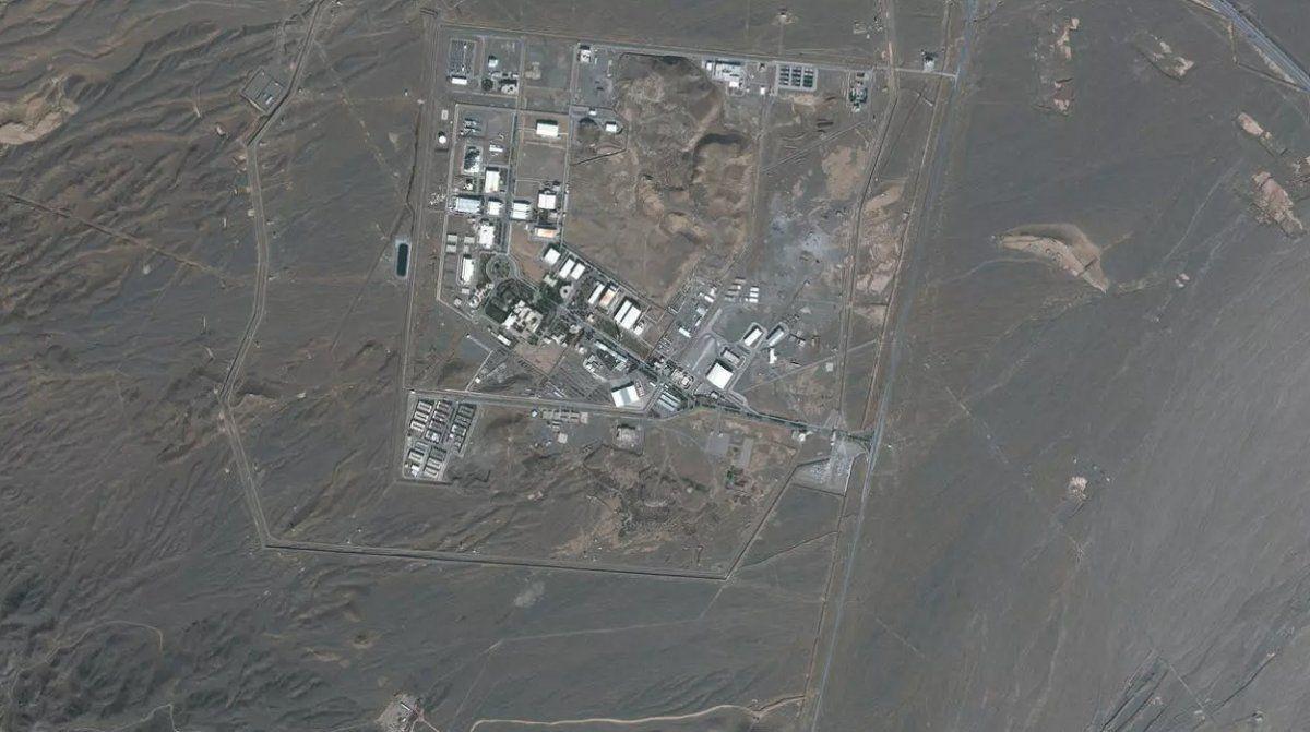 Irán acusa a Israel de atacar una instalación nuclear.