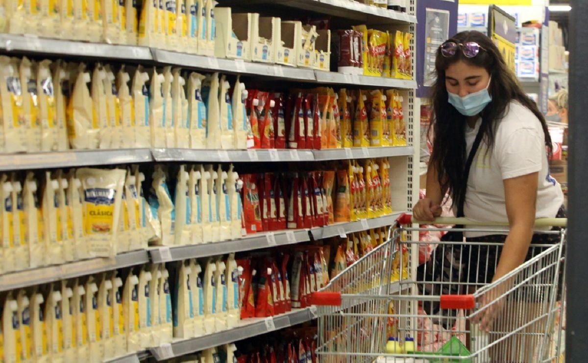 Las ventas en supermercados crecieron 4