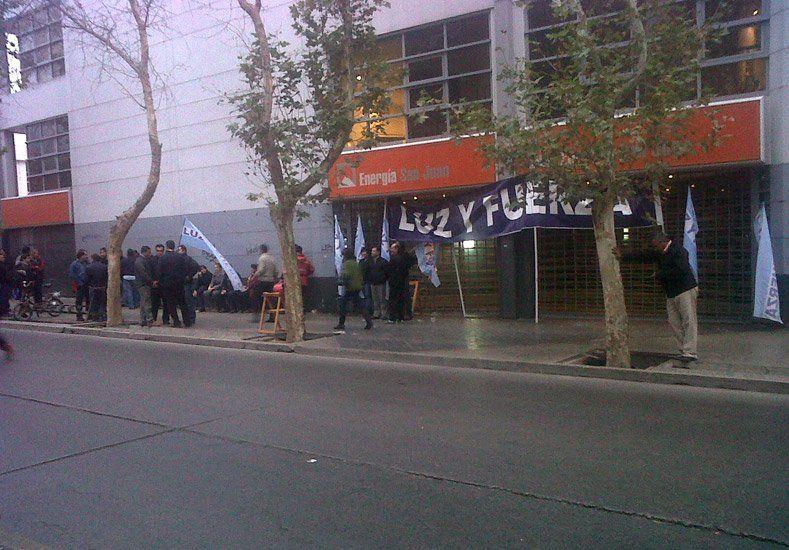 Los empleados de Energía San Juan levantaron el paro en medio de la negociación salarial