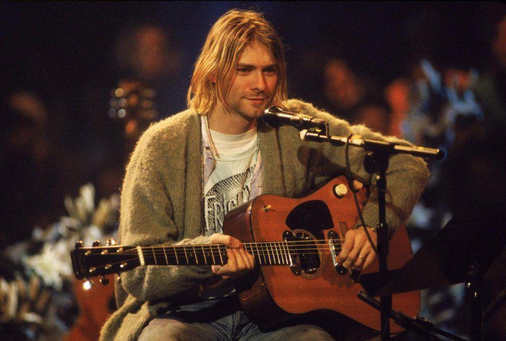 Subastaron seis mechones de pelo pertenecientes a Kurt Cobain
