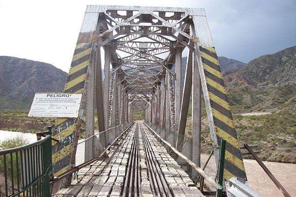 Mendoza: pretenden licitar el tren trasandino en el segundo semestre