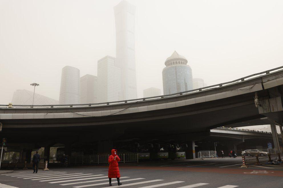 Beijing es azotada por la segunda tormenta de arena en dos semanas