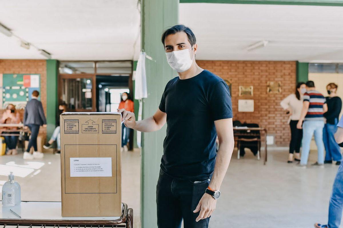 Votó Rueda: A los jóvenes les pedimos que voten, porque es una elección muy importante