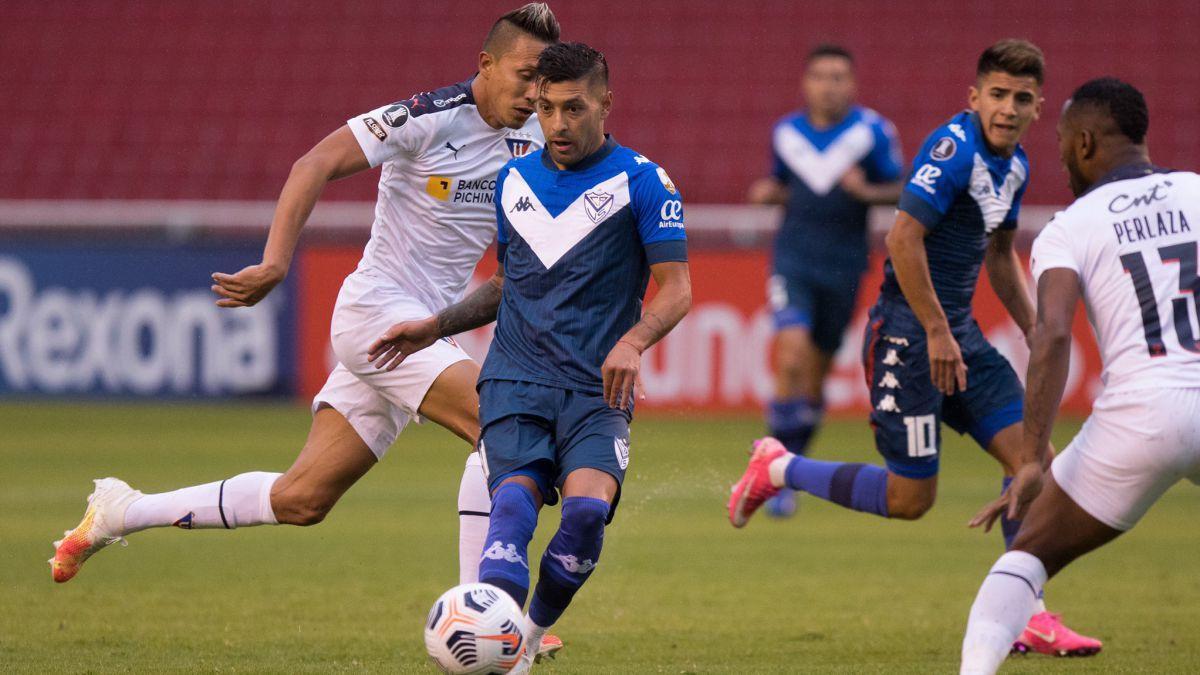 Vélez perdió frente a Liga de Quito 3 a 1.
