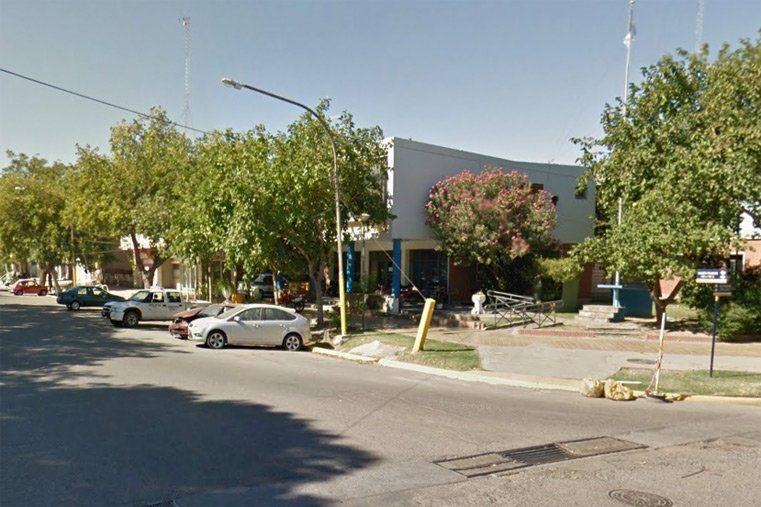 Un hombre y su hijo terminaron heridos en un accidente de tránsito en Santa Lucía