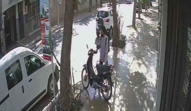Fue a trabajar y le robaron la moto, pide ayuda para encontrarla