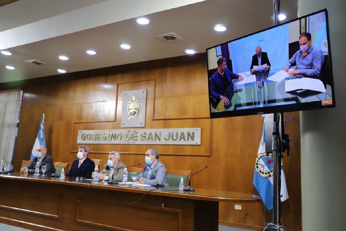 El gobernador Sergio Uñac durante su reunión con el ministro Ferraresi.