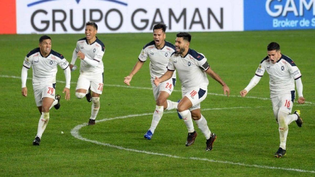 Falcioni probó el equipo para la Copa Sudamericana