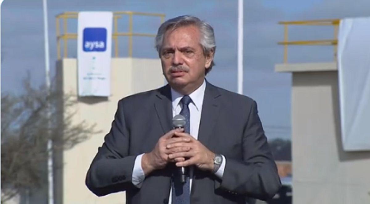 Alberto Fernández viaja a Perú para asistir a la asunción de Pedro Castillo