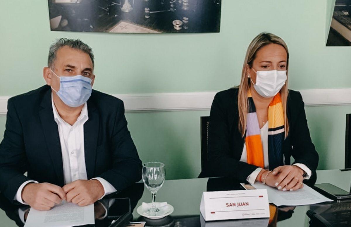 Fabiola Aubone junto a Jorge Armendariz.
