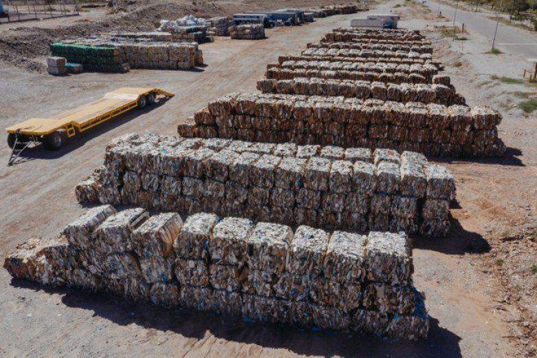 Ponen a la venta 300 toneladas de material recuperado