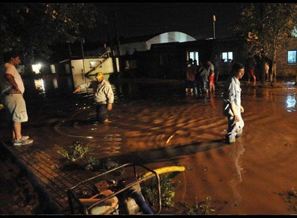 Un violento temporal en Córdoba causó dos muertos y dejó a 10.000 usuarios sin energía eléctrica