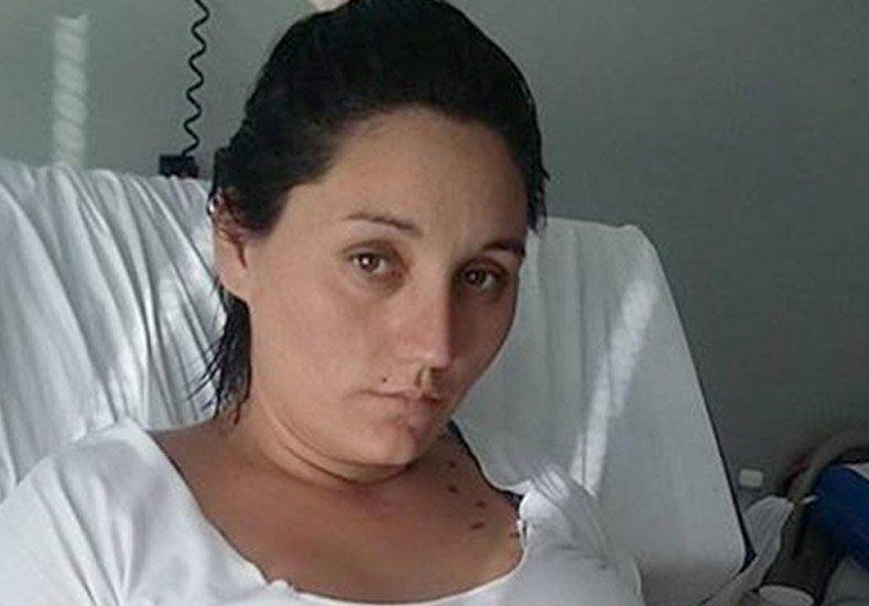 Caso embarazada muerta por presunta mala práxis: los médicos aseguran que la familia asumió que la joven era adicta