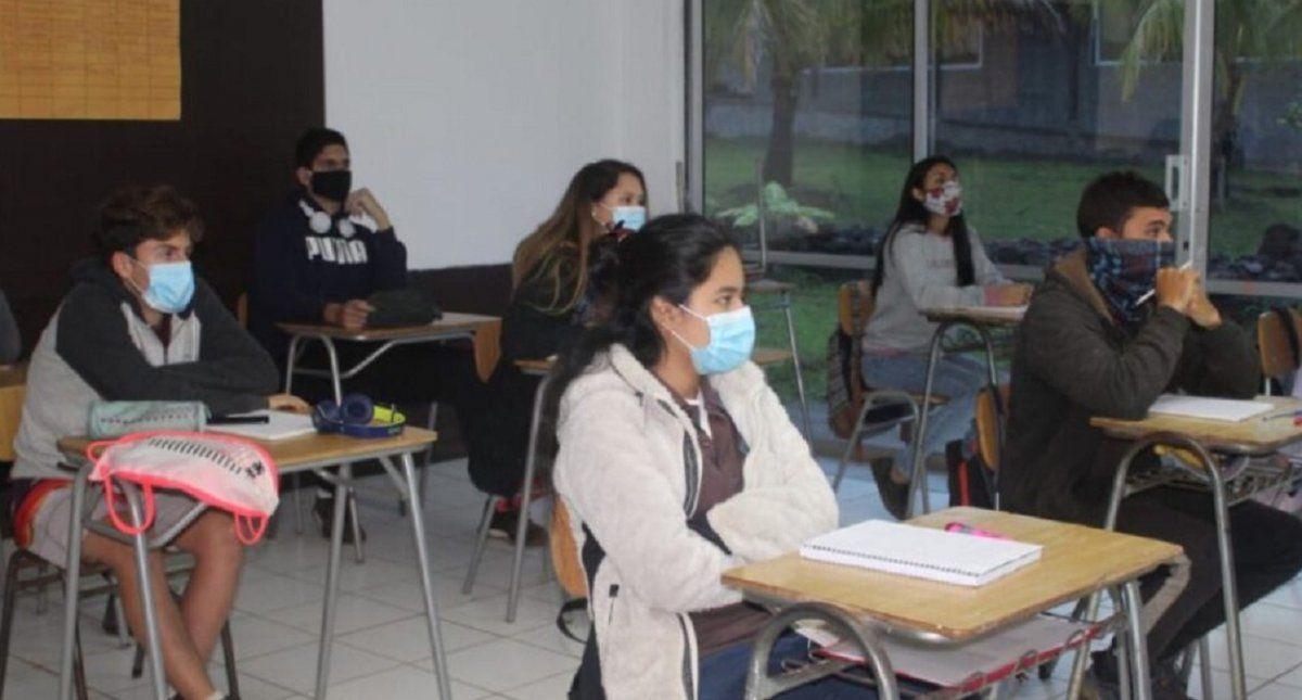 Alumnos secundarios comienzan el fortalecimiento educativo