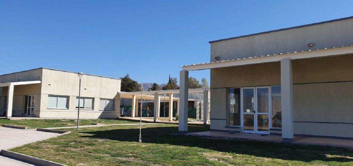 Los residentes del Hospital Julieta Lanteri serán vacunados contra el COVID-19.