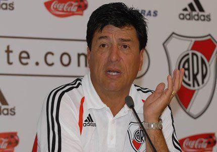Passarella: si vendemos a Funes Mori, el club estaría 0 kilómetro