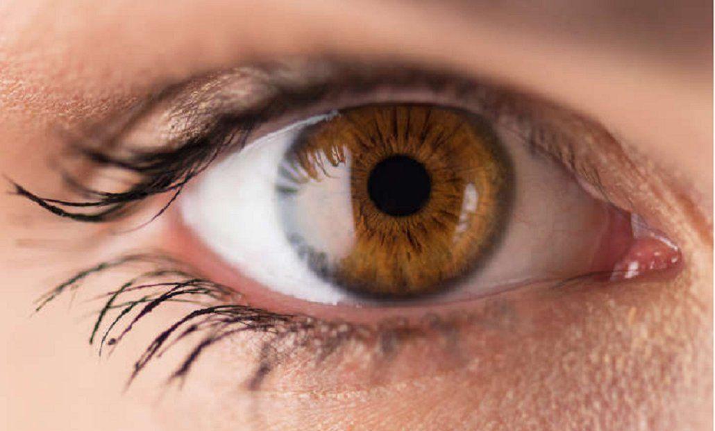 Qué son las lucecitas que aparecen cuando te frotas los ojos