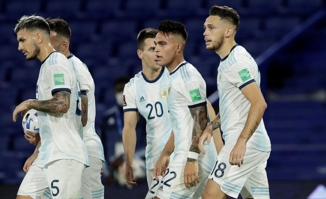 La Selección argentina visita a Perú.