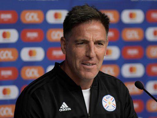 El DT de Paraguay confirmó la lista de seleccionados que enfrentarán a la Argentina