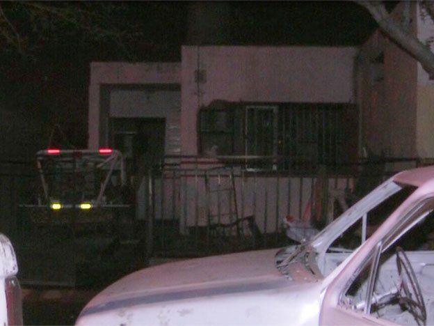 Hubo una explosión en una vivienda y un hombre se prendió fuego