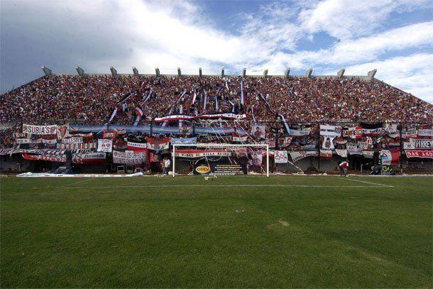 Chacarita reinauguró su estadio con un empate ante Argentinos