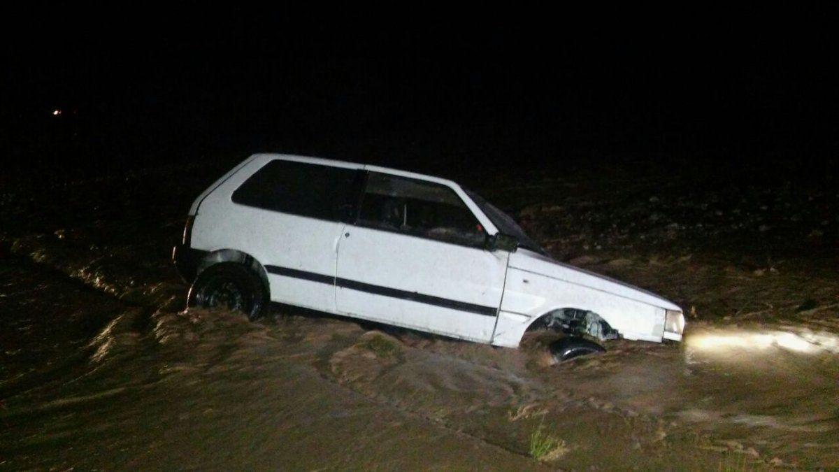 En Ullum cinco familias tuvieron que ser evacuadas por el fuerte temporal