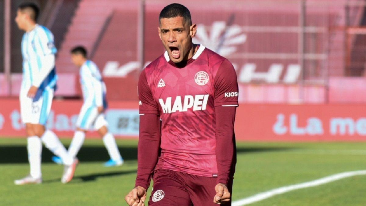 Lanús derrotó 4 a 2 a Atlético Tucumán.