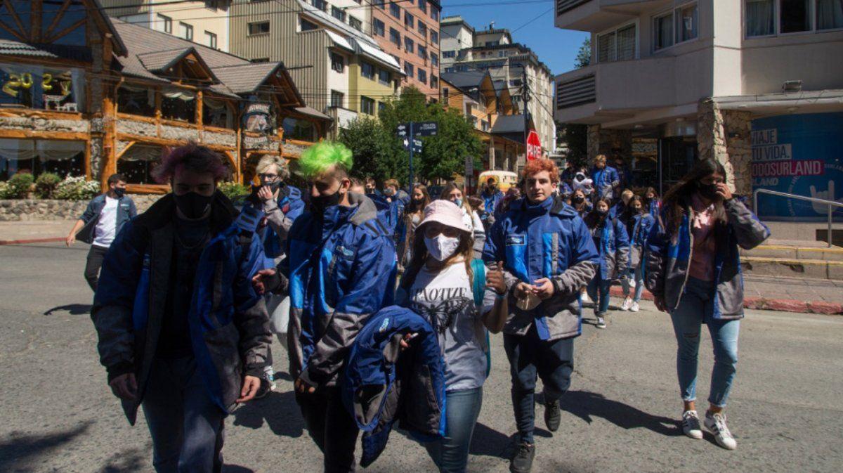 Egresados llegados de Bariloche: 36 tienen COVID-19 (Imagen ilustrativa)