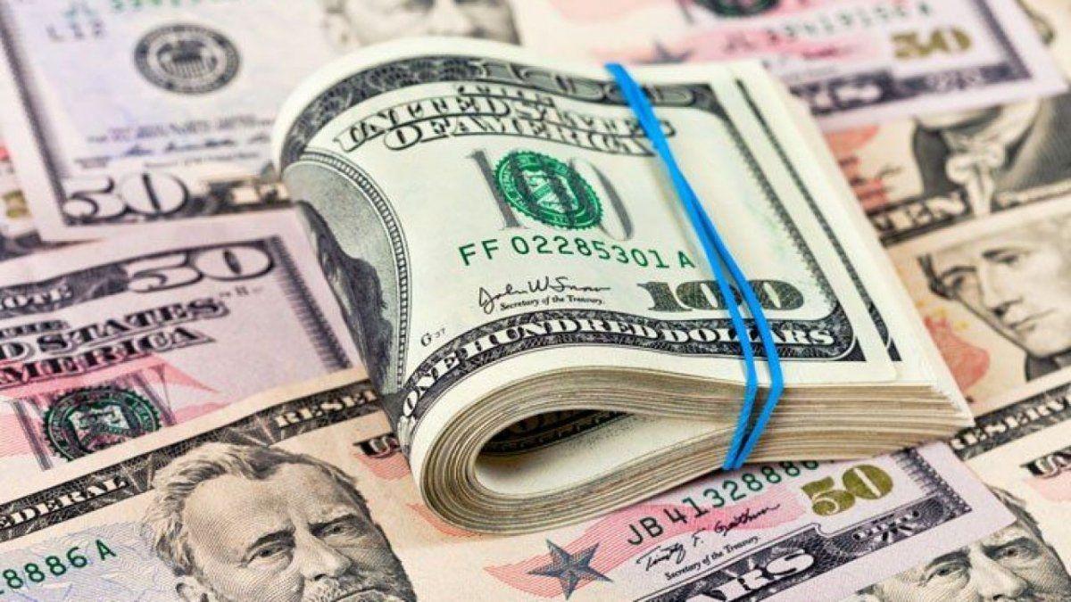 El dólar cerró la semana en alza a $92 y el blue en $156