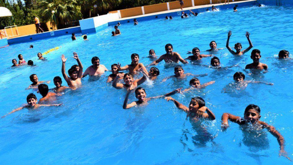 Colonias de verano: evalúan interacción con chicos, a través de la televisión