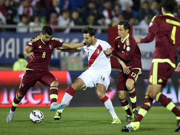Perú derrotó a Venezuela y dejó a todos los equipos de la zona con 3 puntos