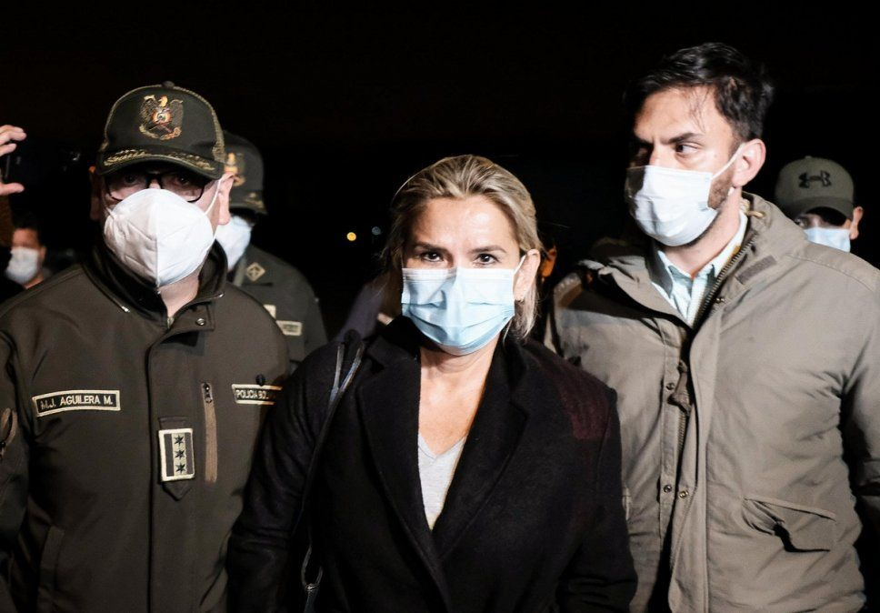 Detuvieron a la expresidenta de Bolivia Jeanine Áñez