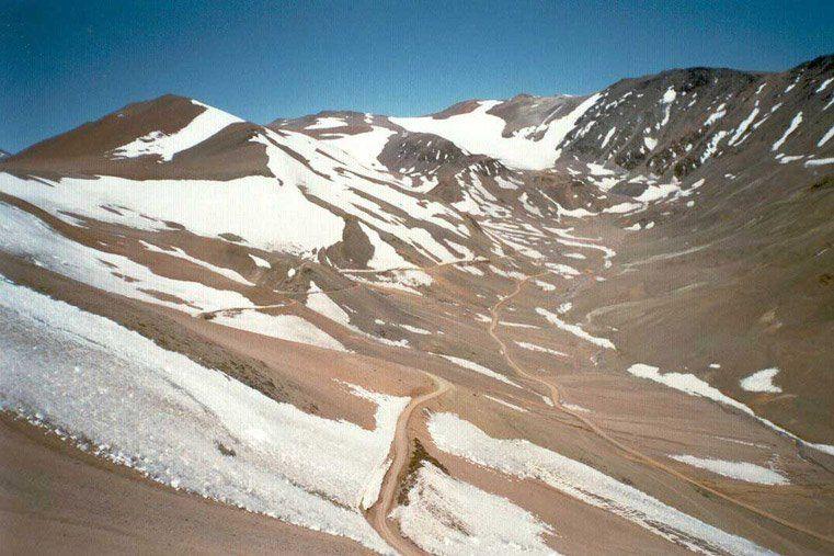 Pese a los intensos zondas de la semana pasada no hubo nevadas en la Cordillera
