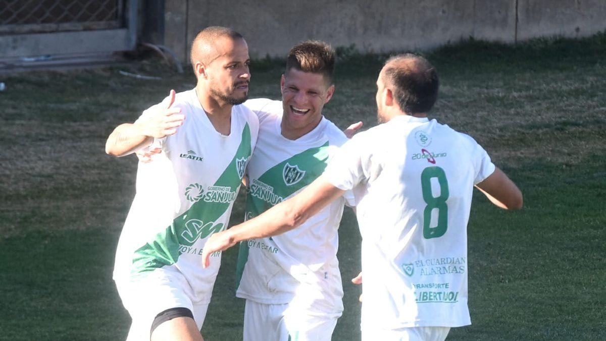 Desamparados viajó a Madryn y Peñarol jugará en el Bicentenario