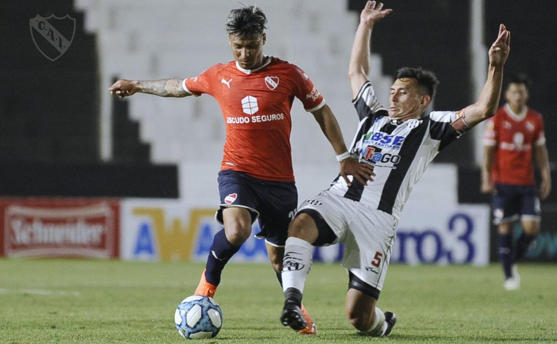 Independiente ganó un sufrido partido en Santiago del Estero