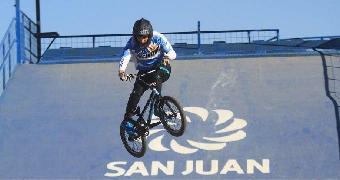 El Chalo Molina inicia su concentración con la Selección de BMX.