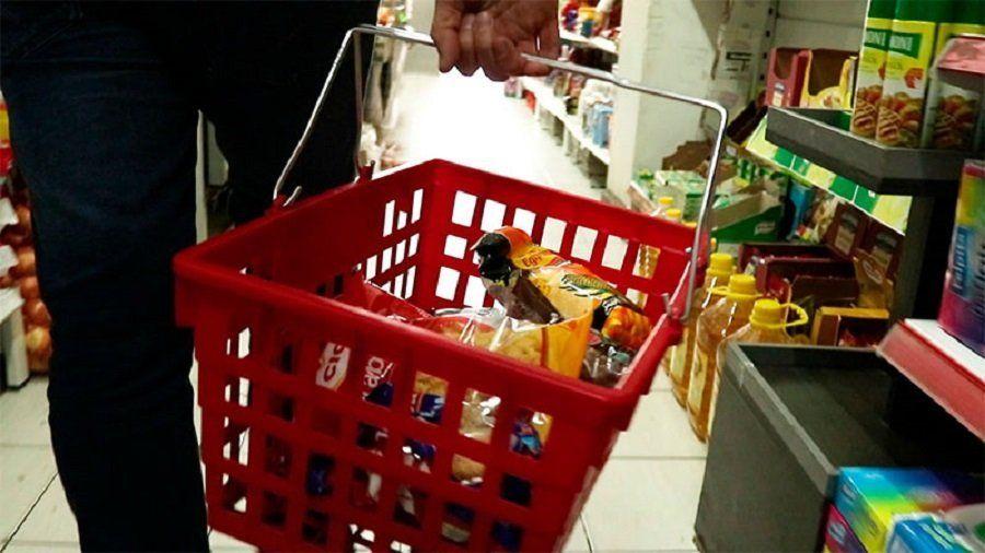 Preparan una canasta con 120 productos a precios congelados, para ganarle a la inflación