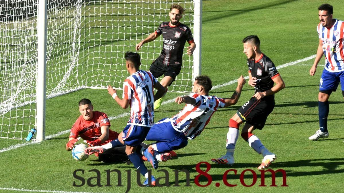 Peñarol empató ante Sansinena. Foto: Adrián Carrizo.