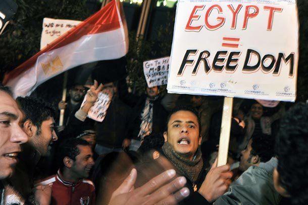Egipto: pese a los cambios de gabinete, la violencia no cesa y ya se habla de por lo menos 53 muertos
