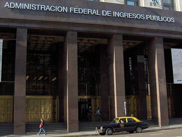Tras un allanamiento realizado en San Juan lograron evitar la fuga de U$S7 millones