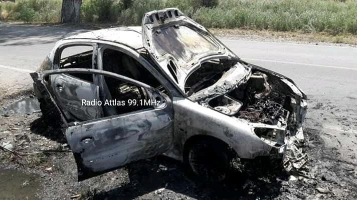 Un cortocircuito destruyó por completo un auto