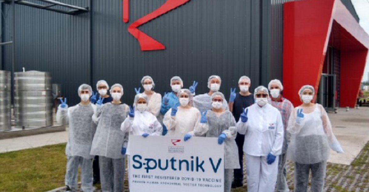 Sputnik V, argentinas: las dosis son analizadas por Rusia y se proyecta la producción masiva
