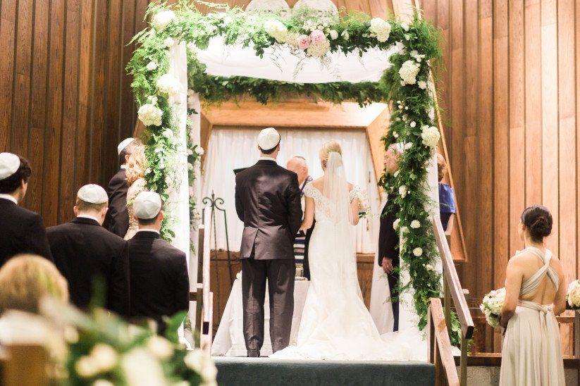 Una pareja recibió un regalo de bodas y tardó 13 años en abrirlo