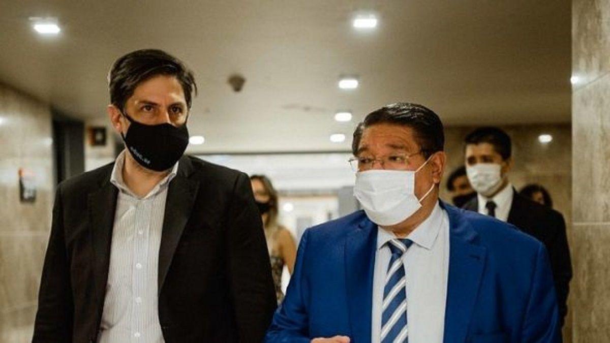 Nicolás Trotta junto a Felipe De Los Ríos.