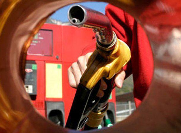 Por aumento de costos, preparan otra suba de 3% en las naftas para febrero
