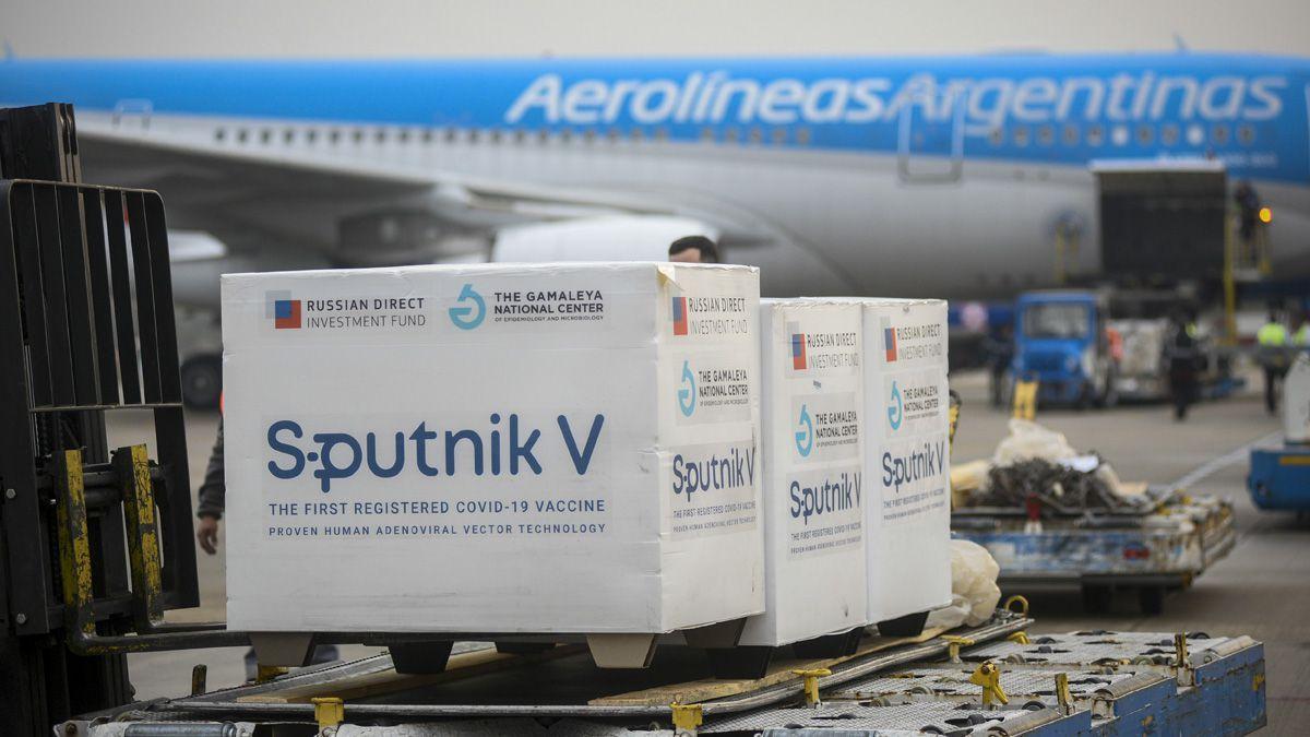Este lunes arribaron 400 mil vacunas Sputnik V.