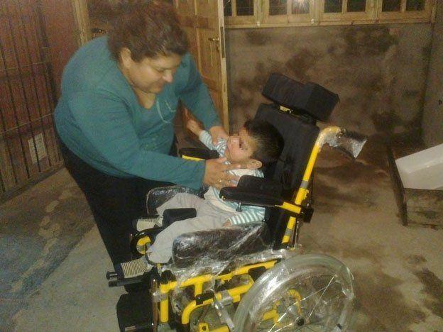Desarrollo Humano le restituyó la silla de ruedas a Juan Elián Mansilla