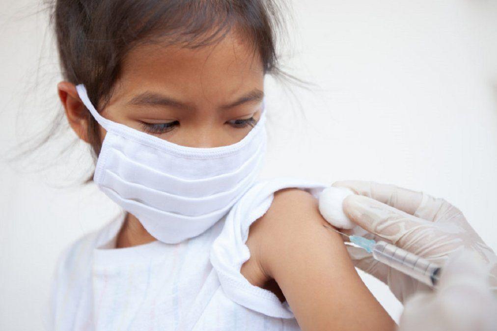 Unas 4 vacunas contra el COVID-19 ya se prueban en menores de 18 años