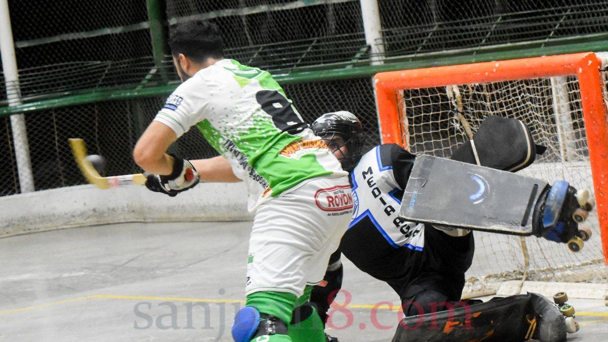 Estudiantil goleó a Media Agua en el incio de la 3a fecha. Fotos: Adrián Carrizo.