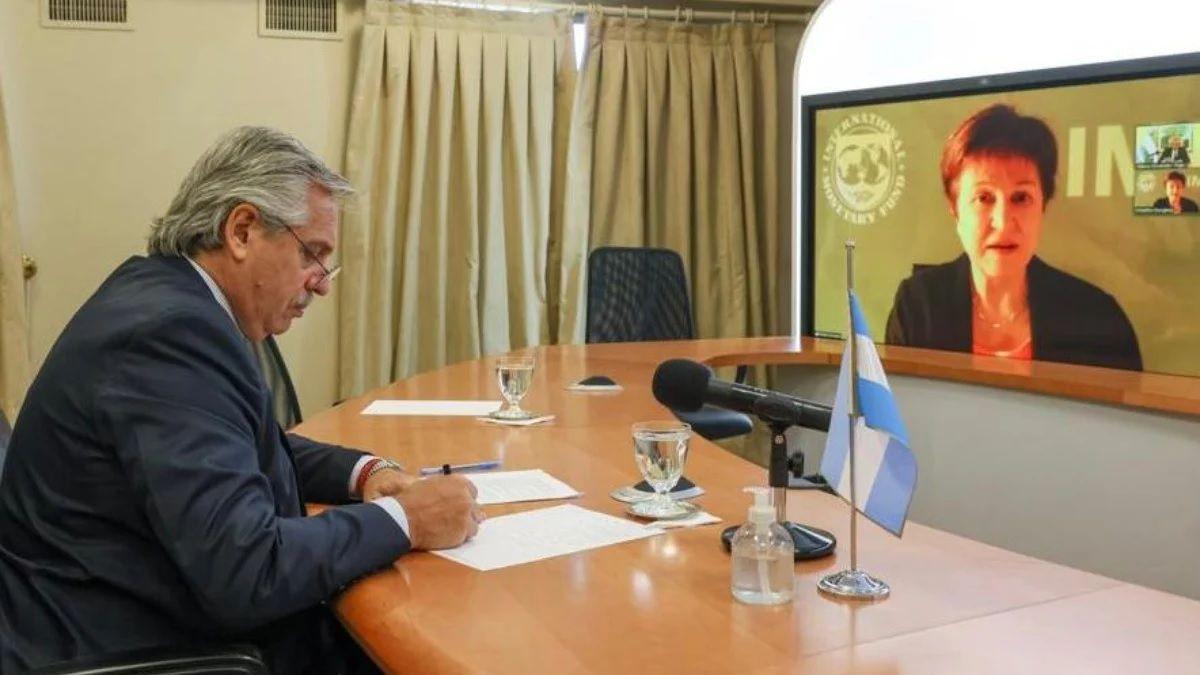 El Gobierno enfrenta un nuevo vencimiento con FMI y negocia un nuevo acuerdo